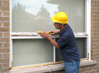 Worker Measures Window