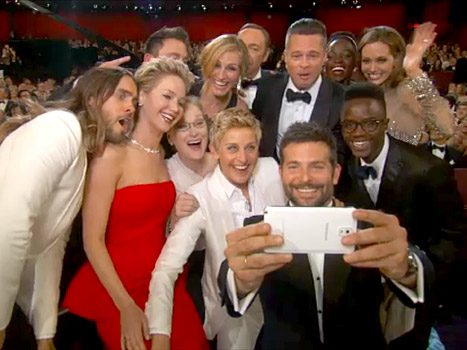 The Oscars Selfie From Behind