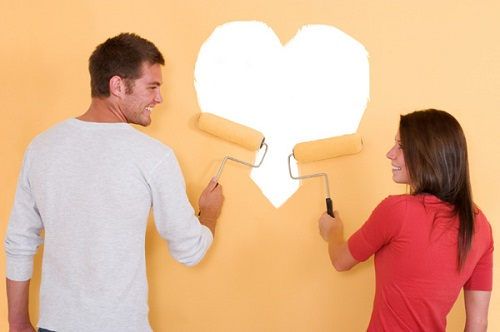decorating couple
