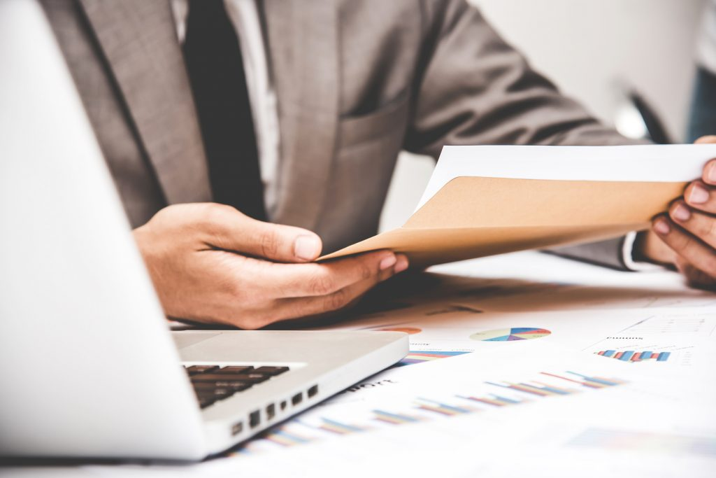 Why Your Business Should Invest in Financial Data Management Services