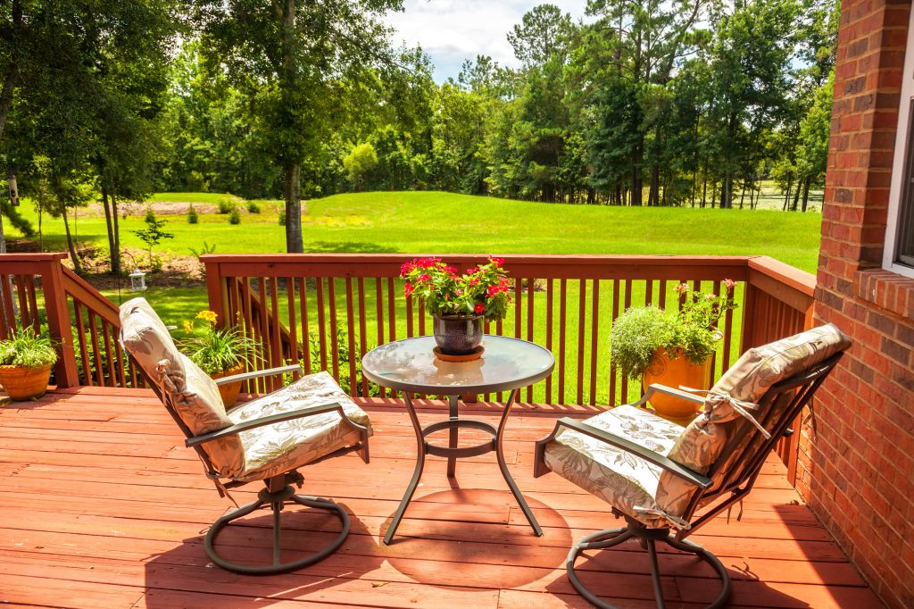 DIY Deck Refinishing: The Best Deck Paint to Use