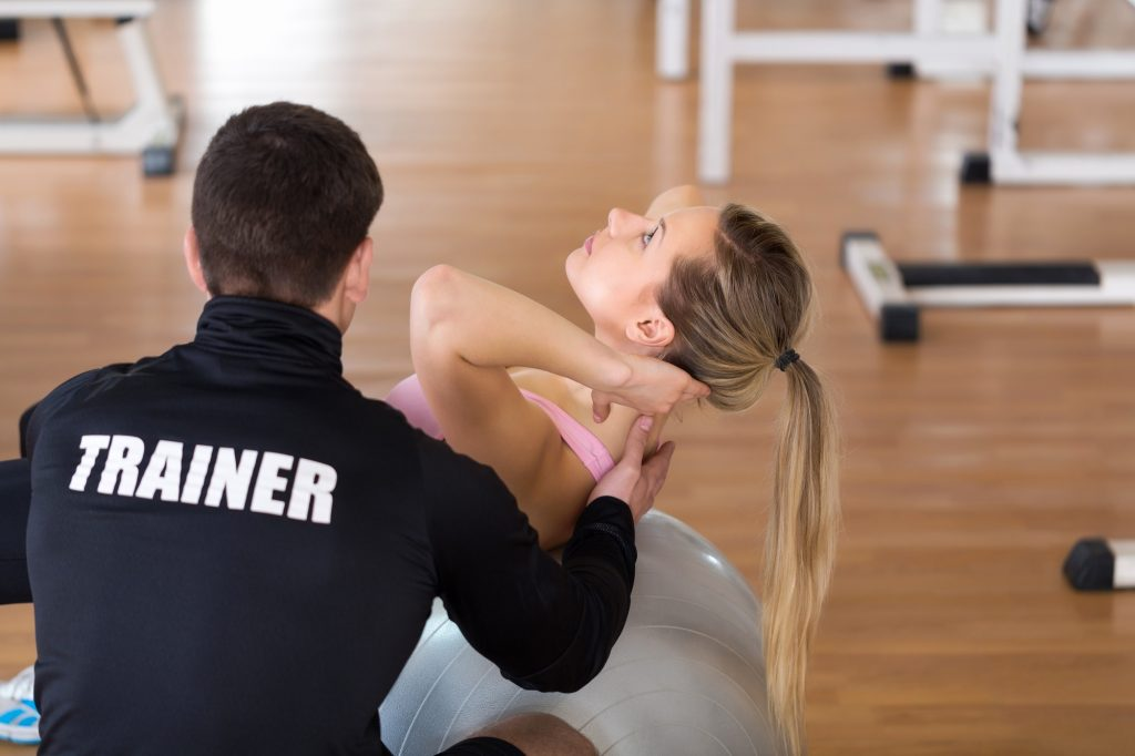 How To Start Your Career as a Gym Personal Trainer