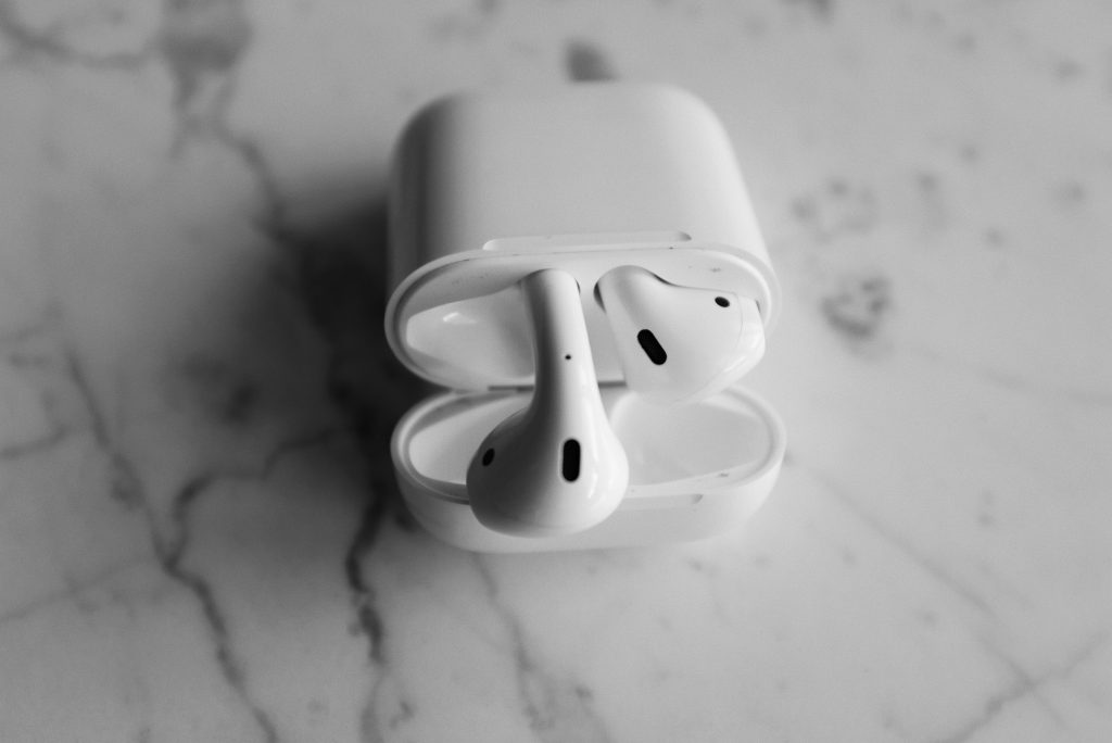 Galaxy Buds vs AirPods: Which is Better?