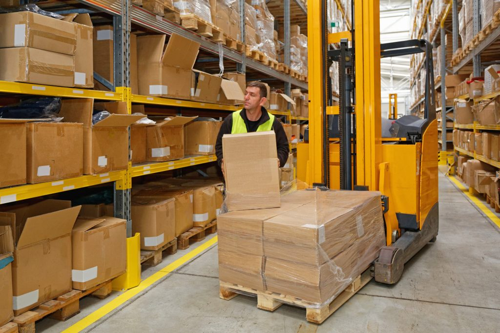 Why Outsourcing to Order Fulfillment Companies Makes Sense for Your Ecommerce Business